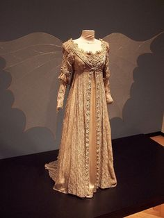"""Custom Made """"Design Your Own"""" Ever After Breathe Wedding gown with train and slippers Danielle de Barbarac Drew Barrymore costume Drew Barrymore, Vintage Outfits, Vintage Fashion, Medieval Dress, Historical Clothing, Ever After, Fashion History, Costume Design, Beautiful Dresses"""