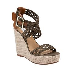 Explore women's wedge shoes that offer casual chic vibe and added height without hurting your feet. Find stunning wedge shoes with Steve Madden. Cute Sandals, Wedge Sandals, Wedge Shoes, Steve Madden Wedges, Stylish Eve, Flip Flop Shoes, Summer Shoes, Summer Wedges, Womens Shoes Wedges