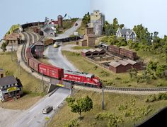 Build the 3 x 7 Red Oak layout online extras | ModelRailroader.com
