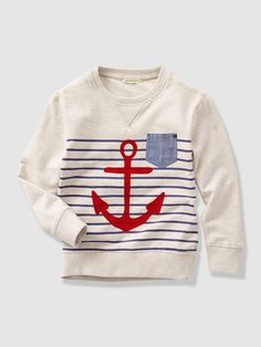 A large anchor motif and fine stripes on the front give this sweatshirt a slightly nautical look that everyone loves!Fleece sweatshirt Round neckline