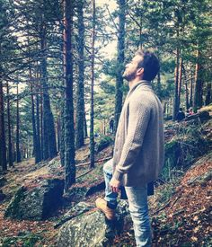 Pablo Alborán ~ Bello... Bello... ❤❤❤❤❤ Surfer Boys, Most Beautiful Man, Places To Travel, Writer, Singer, Couple Photos, Instagram Posts, Smile, Wallpaper