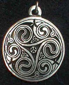 Celtic tri-knot
