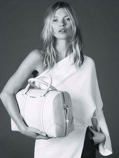 Givenchyジバンシーの旅行カバン|女性バックコレクション日記