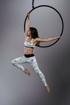 Aerial Hoop/Aerial Lyra Static Pose with super pointy toes!!
