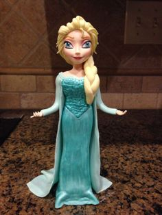 Frozen Themed Cake With Fondant Figures Frozen Birthday Party, Frozen Party, Birthday Parties, Disney Frozen Cake, Frozen Theme Cake, Fondant Figures, Fondant Cakes, Cake Models, Elsa Cakes