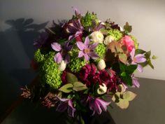 Bouquet rond printanier http://www.madame-artisanfleuriste.com/ #madameartisanfleuriste