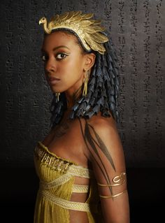 Condola Rashad as Nefertiti Ancient Egypt Fashion, Egyptian Fashion, Egyptian Beauty, Egyptian Women, Egyptian Goddess, Egyptian Makeup, Condola Rashad, Afro, Egyptian Costume