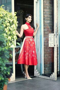 Sonam Kapoor dons fabulously classy outfits for Femina (view photoshoot pics) Indian Celebrities, Bollywood Celebrities, Bollywood Fashion, Bollywood Actress, Bollywood Outfits, Bollywood Girls, Bollywood Saree, Indian Actress Photos, Beautiful Indian Actress
