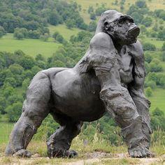 Sculpture+Gorille+avec+dos+argenté+11-Gorille