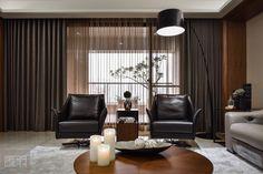 A Spacious Apartment Full of Contemporary Elegance (6)