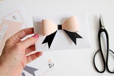 blush and black paper bow, this would make a gorgeous card or placecard!