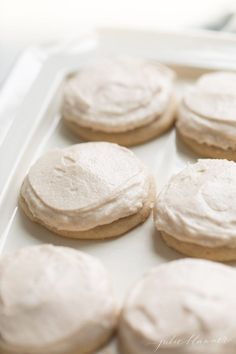 Incredible Cinnamon Sugar Cookies topped with Cinnamon Frosting. This Cinnamon Sugar Cookie Recipe is a mix between a snickerdoodle and sugar cookie! Cinnamon Sugar Cookies, Chocolate Chip Shortbread Cookies, Sugar Cookie Frosting, Sugar Cookies Recipe, Yummy Cookies, Icing, Cinnamon Rolls, Fall Cookie Recipes, Delicious Cookie Recipes