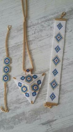 552 × 993 pixels I wanted showing you making a bracelet with natural stone and leather thread with video. Bead Jewellery, Seed Bead Jewelry, Bead Earrings, Jewelery, Beaded Necklace, Bead Loom Patterns, Beaded Jewelry Patterns, Bracelet Patterns, Beading Patterns