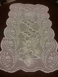 For summer lace knit models, summer blouse models, you can look at all knit blouse models with back Crochet Dollies, Crochet Doily Patterns, Crochet Art, Crochet Home, Thread Crochet, Irish Crochet, Embroidery Patterns, Crochet Table Runner, Crochet Tablecloth