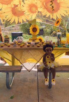Beautiful little black girls first birthday sunflower theme Sunflower Birthday Parties, Sunflower Party, Sunflower Baby Showers, Girl Birthday Themes, Baby Girl First Birthday, Birthday Ideas, Birthday Outfits, 2nd Birthday, Cute Kids