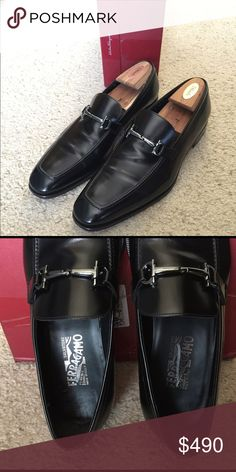 Men's Ferragamo Fenice Bit Loafers Size 12D Men's Salvatore Ferragamo Fenice Bit Loafers Size 12D. These shoes are 1 month old and worm about 5 or 6 times.  My husband bought them off display for $680 + tax (original price was $760).   There are no scuff marks on them and from the heal and leather sole you can tell he literally wore it a few times.  I don't have the original box or dust bags but will ship them in a Ferragamo box.  Please let me know if you have any questions.  Thanks…