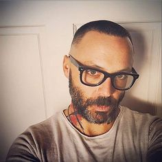 Personally digging Justin's new look. Love me a man in glasses! Harvard Of The South, Blue October, Music Pictures, Mens Glasses, Cool Bands, New Look, Eye Candy, Actors, My Favorite Things