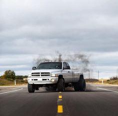 💨💨💨@kaasspruit Cummins Diesel Trucks, Ram Cummins, Dodge Diesel, Ram Trucks, Dodge Trucks, Pickup Trucks, Dodge Ram Dually, Dodge 3500, Mopar