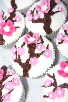 I made these cherry blossom cupcakes for a Japanese-themed birthday party!