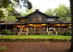 Lake House Combines Southern Charm, Adirondack Style N. Lake House Combines Southern Charm, Adirondack Style – Curbedclockmenumore-arrow Image Size: 735 x 526 Source Style At Home, Casa Hotel, Log Cabin Homes, Lake Homes, Log Cabins, Mountain Homes, Home Fashion, My Dream Home, Dream Homes