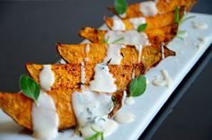 Süßkartoffel Wedges mit Limetten Knoblauch Sauce