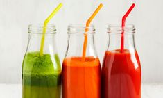Smoothies are a great way to get the nutrients you need to stay healthy while on the go. Check out our recipes to help you fight dementia and Alzheimer's. Healthy Juice Recipes, Healthy Juices, Healthy Fruits, Healthy Eating, Healthy Smoothies, Healthy Drinks, Drink Recipes, Clean Eating, Dementia Facts