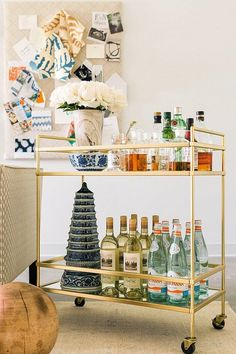 Gold bar cart styling ideas. Great idea for parties and the holidays.