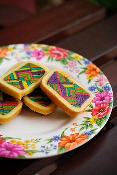 cookies with color and class: I want to eat and frame these