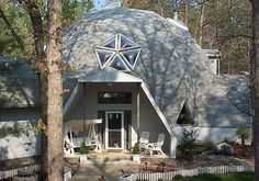 Geodesic Dome Home by Timberline (based in CA). These homes are awesome, can't wait to build one myself! Monolithic Dome Homes, Geodesic Dome Homes, Dome House, Earthship, Sustainable Living, Sustainable Ideas, My Dream Home, Future House, Building A House
