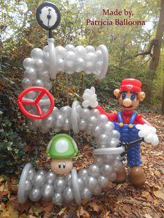 Balloon Mario Themed Number 5 Sculpture, made by Patricia Balloona, http://patriciaballoona.wordpress.com/2014/11/03/413nth-and-414nth-balloon-sculptures-mario-and-number-5/