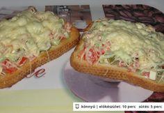 Görögös melegszendvics Food 52, Avocado Toast, Guacamole, Feta, Pizza, Sandwiches, Cooking Recipes, Meals, Breakfast