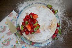 Csak egy serpenyő és néhány hozzávaló kell ehhez a desszerthez. Gazpacho, Plastic Cutting Board, Muffin, Tarte Tatin, Muffins, Cupcakes