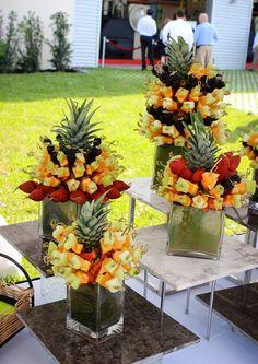 New Fruit Platter Designs Edible Arrangements Ideas Fruit Tables, Fruit Buffet, Fruit Dishes, Fruit Trays, Fruit Skewer, Fruit Dessert, Fruit Salads, Fruit Snacks, Dessert Recipes