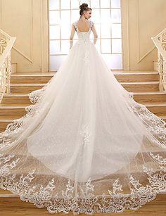 Vestido de Novia Blanco Corte Evasé Cola Capilla @ Vestidos de Novia Blog