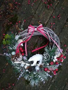 veniec s ľadovým medveďom Christmas Wreaths, Holiday Decor