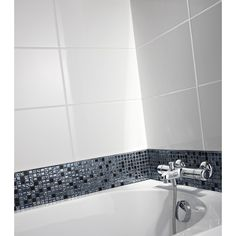 1000 images about salle de bain on pinterest merlin for Carrelage faience blanc