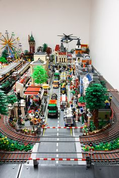 Pinner Wrote Hi, as said in my introduction thread, I want to present today my Lego Town Layout, called Neu-Brickstadt. It took me around 2 years of building and about Lego City Train, Lego City Sets, Lego Trains, Lego Sets, Lego Display, Lego Modular, Lego Design, Village Lego, Lego Poster