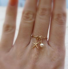 Charm ring Gold filled ring Starfish ring Dainty ring by Lalinne Pearl Ring, Pearl Jewelry, Wire Jewelry, Beaded Jewelry, Jewelery, Gold Jewelry, Gold Filled Jewelry, Jewelry Holder, Etsy Jewelry