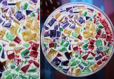 4 pacotes de gelatina de sabores diferente  - 1 pacote de gelatina em pó sem sabor  - 1 lata de leite condensado  - 1 lata de creme de leite sem soro
