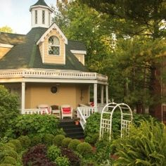 The Rose Cottage at The Inn at Woodhaven in Louisville KY - a great bed and breakfast