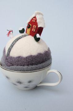 Pincushion Tiny World : Snowy Hill || Mimi Kirchner via Etsy