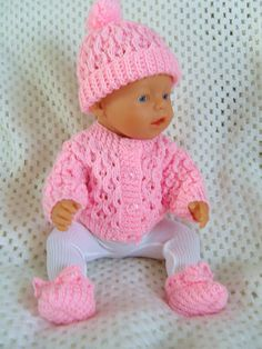 Waffle Cardigan pattern by Jacqueline Gibb : Simone, a PDF Pattern for a Waffle Cardigan Set to fit most popular 18 and dolls. Knitting Dolls Clothes, Crochet Doll Clothes, Knitted Dolls, Doll Clothes Patterns, Crochet Baby Dress Free Pattern, Baby Knitting Patterns, Baby Blanket Crochet, Knitted Doll Patterns, Baby Born Clothes