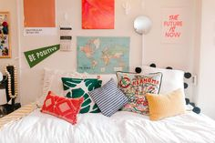 This particular dorm room looks absolutely amazing, need to bear this in mind when I've got a little cash in the bank. My New Room, My Room, Interior Exterior, Interior Design, Dorm Shopping, Bright Pillows, Colorful Pillows, Colorful Decor, Cute Dorm Rooms