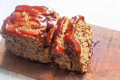 Here's a new riff on classic meatloaf with bourbon BBQ glaze! The secret to tender meatloaf? Mince your veggies and give them a quick sauté before mixing them into the meatloaf. Meatloaf Glaze, Bacon Meatloaf, Meatloaf Recipes, Meatloaf Sandwich, Bourbon Bbq Sauce Recipe, Meatloaf Ingredients, Sandwiches, Sauce Recipes, Beef Recipes