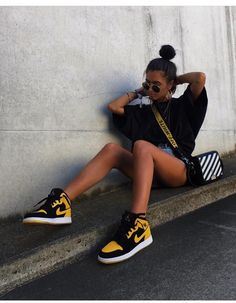 59 Fancy high heels to get inspired - Skater mädchen - Shoes Moda Sneakers, Sneakers Mode, Sneakers Fashion, Nike Sneakers, Fashion Shoes, Mode Outfits, Trendy Outfits, Girl Outfits, Fashion Outfits
