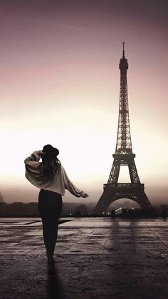 Paris wallpaper now. Browse millions of popular wallpapers and ringtones on Zedge and personalize your phone to suit you. Browse our content now and free your phone Paris Wallpaper Iphone, City Wallpaper, Scenery Wallpaper, Wallpaper Wallpapers, Pretty Wallpapers, Paris Images, Paris Pictures, Paris Photos, Paris Torre Eiffel