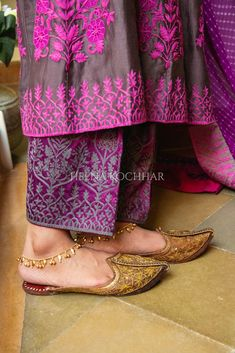 Pakistani Dress Design, Pakistani Outfits, Indian Outfits, Indian Dress Up, Indian Fashion Dresses, Ethnic Dress, Punjabi Traditional Jewellery, Punjabi Suits Party Wear, Boutique Suits