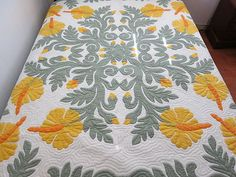 I love Hawaiin Quilts.