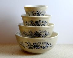 """Vintage Pyrex """"Homestead"""" Mixing Bowl Set of 4 from 1970s by TimelessTreasuresbyM on Etsy"""