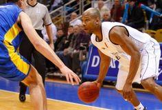 basketbal    http://www.vandaag.be/sport/28155_luik-verslaat-zagreb-in-eurochallenge-basketbal.html